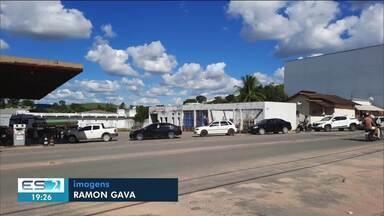 Moradores de Ecoporanga, ES, correm para os postos de gasolina com medo de lockdown - Confira a seguir.