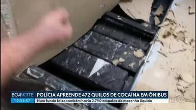 Polícia Civil e PRF apreendem cocaína em fundo falso de ônibus - Quase meia tonelada da droga foi encontrada; no veículo, também havia maconha líquida.