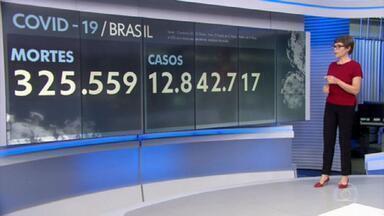 Brasil registra mais de 3 mil mortes por Covid pelo terceiro dia seguido - Nesta quinta-feira (1º), foram exatamente 3.673 mortes por Covid-19. Assim, a média móvel de mortes ultrapassou a marca de 3 mil pela primeira vez e atingiu o recorde de 3.119 óbitos diários.