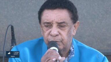 Morreu de Covid o cantor Agnaldo Timóteo, aos 84 anos. - O estado do Rio registrou hoje o maior número de mortes desde o início da pandemia.