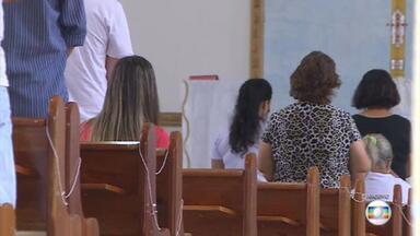 Ministros do STF divergem sobre missas e cultos presenciais na pandemia - Gilmar Mendes contraria Nunes Marques e mantém a proibição em São Paulo. Agora, a plenário do Supremo vai decidir se a regra vale para todo o país.