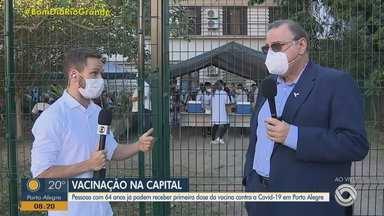 Porto Alegre vacina idosos com 64 anos ou mais contra a Covid-19 - Assista ao vídeo.