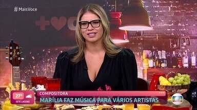 Marília Mendonça revela que começou a cantar na igreja - Cantora começou a compor aos 12 anos e sua primeira composição a fazer sucesso foi 'Cuida Bem Dela', na voz de Henrique&Juliano. Marília diz que era muito tímida e, por isso, demorou muito a decidir cantar