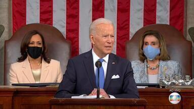 EUA: Joe Biden faz pronunciamento no Congresso sobre os 100 primeiros dias de governo - Na véspera de seu 100º dia como presidente dos Estados Unidos, Joe Biden discursou, na noite desta quarta (28), no Congresso americano e também apresentou um plano de US$ 1,8 trilhão para incentivo à educação e à saúde.