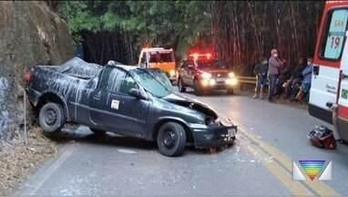 Dois ficam feridos em acidente na SP-50 - Via foi interditada na manhã desta quarta.