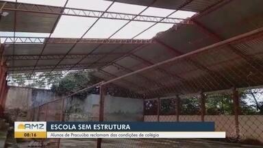 Alunos e professores de escola estadual em Pracuúba reclamam da precariedade do espaço - Situação na Escola Estadual Ernesto Pereira Colares está prejudicando a rotina e o aprendizado, principalmente de quem precisa concluir o ensino médio.