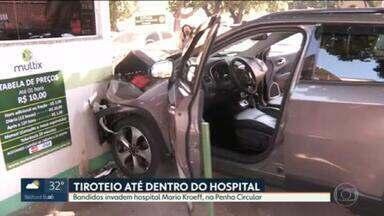 Bandidos invadem hospital Mario Kroeff, na Penha Circular - Criminosos abandonaram dois carros no local, ao avistarem patrulha da PM, e entraram na unidade atirando.