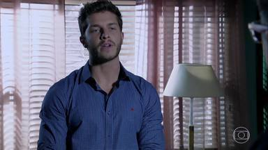 Leonardo diz para Téo que não dará provas sobre Cláudio - O amante de Cláudio volta atrás do acordo com Téo