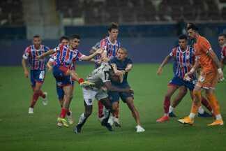 Vídeo mostra detalhes da briga entre jogadores de Ceará e Bahia na final do Nordestão - Veja mais no ge.globo/ce