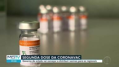 Governo de MG começa a distribuir vacinas Coronavac para aplicação da 2ª dose - Aplicação está atrasada em 830 cidades.