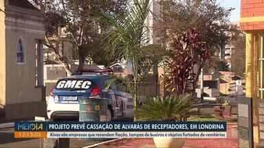Projeto prevê cassação de alvarás de receptadores em Londrina - Alvos são empresas que revendem fiação, tampas de bueiros e objetos furtados de cemitérios.