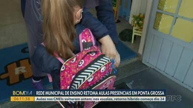 Crianças da rede municipal de ensino de Ponta Grossa retomam às aulas presenciais - Por enquanto, apenas crianças do ensino infantil voltaram para as salas de aula.
