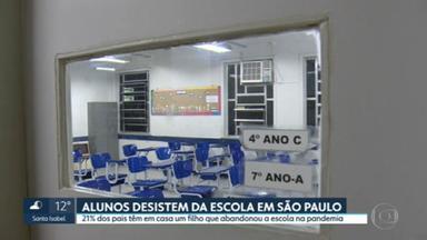 Alunos desistem da escola em São Paulo - 21% dos pais da capital têm em casa um filho que abandonou a escola na pandemia