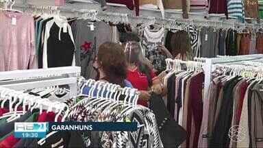 Funcionários de lojas temem perder emprego devido quarentena mais rígida em Garanhuns - A partir de quarta (26) funcionarão apenas serviços essenciais.