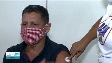 Pessoas com 58 anos começam a receber a vacina contra a Covid-19 em São Luís - Prefeitura diz que a imunização deve acelerar com a chegada de novas doses.