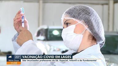 Profissionais da educação são vacinados contra a Covid-19 em Lages e Joaçaba - Profissionais da educação são vacinados contra a Covid-19 em Lages e Joaçaba