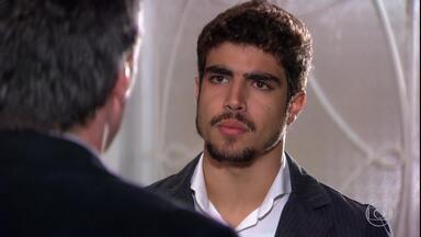 Edgar diz ao pai que vai registrar Paulinho como seu filho - Gustavo não concorda com a decisão do filho