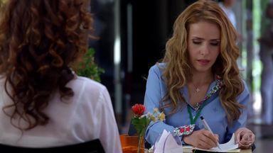 Celina fica tensa com a possibilidade de estar grávida - Dora desabafa com a amiga