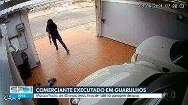 Polícia investiga execução de comerciante em Guarulhos - Ele foi morto com tiros de fuzil, na garagem de casa