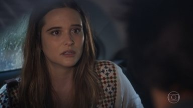 Luna fica nervosa ao saber por Alejandro que Mário está no Brasil - Alejandro explica que foi Juan quem contou que a amiga estava viva