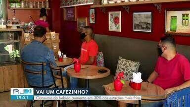 Tempo frio aumenta consumo de café - Procura pela bebida nos estabelecimentos aumenta em 30% nas estações mais frias.