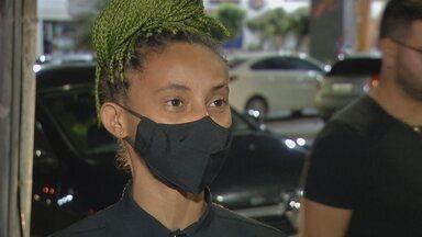 Garçonete que denunciou ter sido vítima de injúria racial em bar presta depoimento - Caso aconteceu em Anápolis.