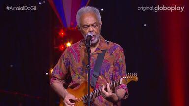 Gilberto Gil canta 'Oia Eu Aqui De Novo' - Confira!