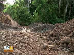 Asfalto cede e crateras se formam na Vila Maranhão - Confira os destaques do JMTV 1 desta sexta-feira (16).