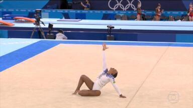 Rebeca Andrade se classifica para as finais da ginástica artística - Brasileira deu show em apresentação ao som de funk. Simone Biles falha, mas avança na 1ª colocação
