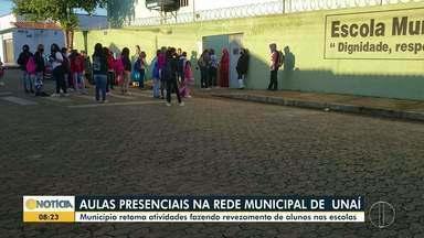 Alunos da rede municipal retornam às aulas presenciais em Unaí - Aulas foram retomadas nesta segunda.