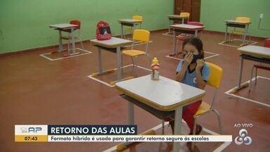 Rede municipal de Macapá retoma aulas presenciais no formato híbrido - Ensino básico, fundamental e EJA estão na nova modalidade com parte das aulas remotas e parte nas salas de aula.