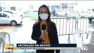 Maceió segue com a 1ª dose da vacina contra Covid-19 suspensa - Veja como está a vacinação com Giselle Vasconcelos.