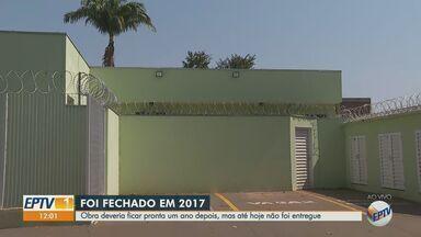 Moradora reclama que UBS está fechada há quatro anos em Ribeirão Preto, SP - Posto de saúde do Quintino Facci foi fechado para reformas em 2017 e até hoje não foi entregue.