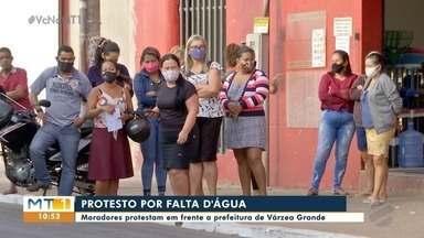 Moradores protestam em frente a prefeitura de Várzea Grande - Moradores protestam em frente a prefeitura de Várzea Grande.