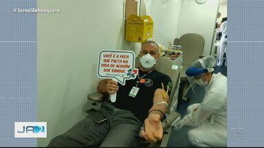 Hemocentro leva equipe do banco de sangue até sede da Polícia Técnico-Científica - Unidade móvel conseguiu a doação de 50 policiais.