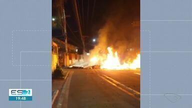 População fecha Rodovia Serafim Derenzi em Vitória em protesto - Assista.