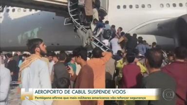 Afegãos lotam aeroporto para escapar do grupo extremista Talibã - A queda do presidente do Afeganistão - e a ascensão do grupo extremista Talibã - mergulhou o país no caos. Milhares de pessoas correram para o aeroporto internacional de Cabul em busca do primeiro voo para qualquer destino. Ao menos sete mortes foram confirmadas até agora nesse tumulto.