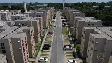 MPF investiga suspeitas de irregularidades no sorteio de apartamentos construídos com dinheiro federal em Manaus - Entre os contemplados, funcionários da prefeitura e donos de empresas com capital de mais de R$ 100 mil. Um dos critérios para participar do sorteio dos apartamentos é ter renda inferior a R$ 2 mil mensais.