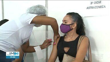 Prefeitura de São Luís pretende antecipar a 2ª dose das vacinas Astrazeneca e Pfizer - Nesta terça (31), muita gente procurou os postos na capital para tomar a segunda dose.