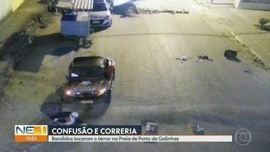 Tiroteio assusta moradores e turistas de Porto de Galinhas, em Ipojuca - Homens tentaram interditar rua para impedir chegada da polícia