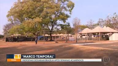 Após semanas acampados para acompanhar o julgamento do 'marco temporal', indígenas deixam Brasília - Foram três semanas de mobilização. Julgamento será retomado nesta semana.
