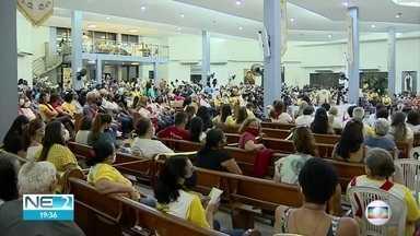 Em Jaboatão, fiéia homenageiam Nossa Senhora da Piedade - Em Jaboatão, fiéia homenageiam Nossa Senhora da Piedade