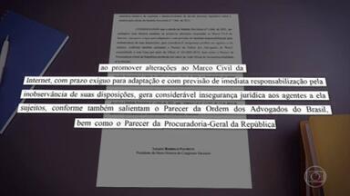 Senado e STF barram MP de Bolsonaro que dificultava combate às fake news - No Supremo Tribunal Federal, a ministra Rosa Weber suspendeu a MP que limita remoção de conteúdo nas redes sociais. No Senado, quase ao mesmo tempo, o presidente Rodrigo Pacheco devolveu o texto ao Palácio do Planalto.