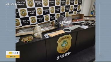 Confira notícias da madrugada em Goiás - Polícia prendeu suspeitos de tráfico de drogas.