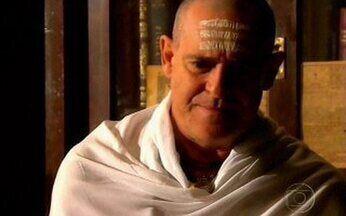 Opash consulta Pandit - O sacerdote diz que Maya terá o filho homem que eles tanto esperam