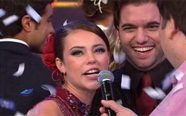 Paola Oliveira e Átila Amaral vencem a Dança dos Famosos 2009