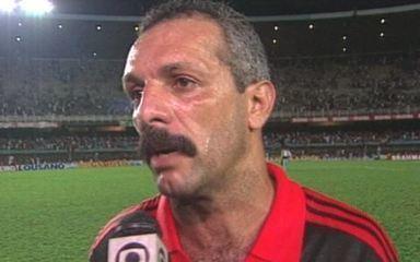 Em 1992, o Flamengo derrota o Botafogo por 3 a 0 no primeiro jogo da final do Brasileirão