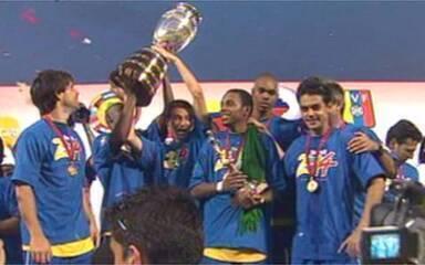 Em 2007, Brasil atropela a Argentina e conquista a Copa América