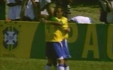 Em 2004, Brasil goleia seleção haitiana em jogo pela paz