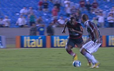 Melhores momentos: Fluminense 2 x 1 Flamengo pela 4ª rodada do Brasileirão 2010